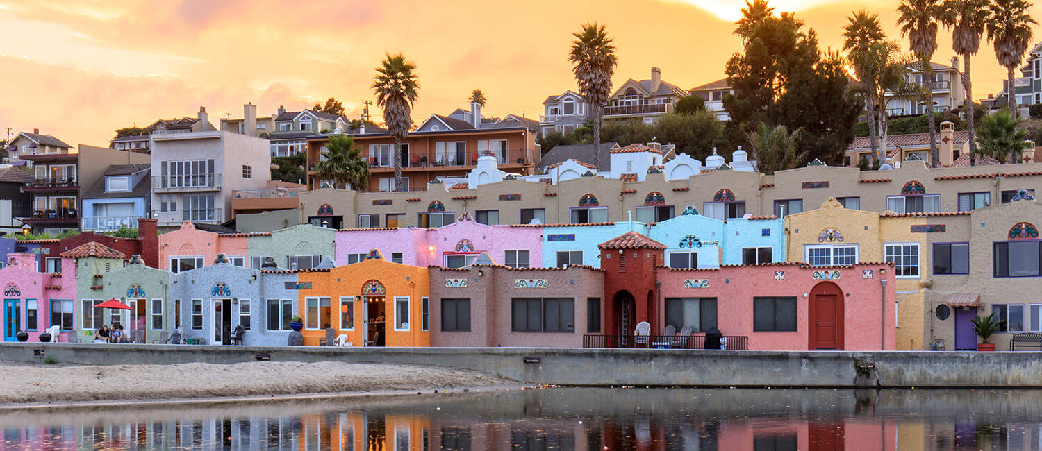 WELCOME TO THE CAPITOLA VENETIAN HOTEL TOP-RANKED ACCOMMODATIONS IN THE HEART OF CAPITOLA, CA